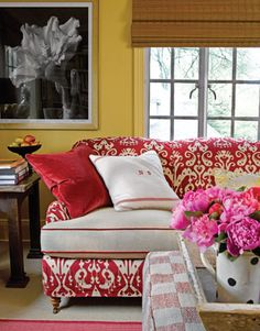 A decoração das paredes do apartamento é essencial para se criar um ambiente agradável em qualquer divisão. Cores mais quentes conferem uma atmosfera de maior conforto, quer sejam utilizados tons mais arrojados, capazes de criar um efeito mais dramático na divisão, ou tons mais suaves e