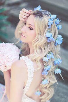 English Garden Bridal Inspiration Shoot, We love her hair!