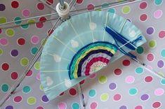Weben mit Kindern: fröhlicher Regenbogen gegen Schlecht-Wetter-Laune