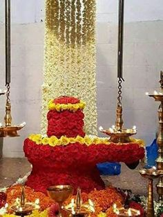 Lord Shiva worship especially in southern states of Tamil nadu and Andhra Pradesh is very auspicious for devotees. Lord Shiva Pics, Lord Shiva Hd Images, Lord Shiva Family, Ganesh Images, Mahakal Shiva, Shiva Art, Shiva Statue, Lord Shiva Hd Wallpaper, Lord Vishnu Wallpapers