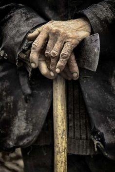 The hands of an old Acerbi.