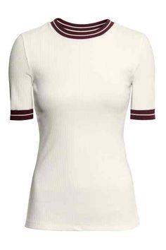 Přiléhavé žerzejové tričko