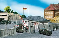 Faller military guard building with toll-bar