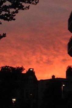 #1 Avond felle prachtige roze lucht in mijn straat