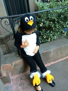 Penguin costume for children 2-4 years of age. Soft fleece hat and tunic 091085b0cf5