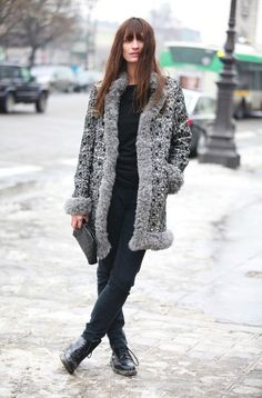 Caroline de Maigret, xx her outfit.  Image from Vogue.fr (street style photography)