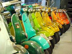 All things Lambretta & Vespa, well all things if they are pictures. (and perhaps the odd other thing that catches my eye from time to time including occasional adult content! Vespa Ape, Piaggio Vespa, Lambretta Scooter, Vespa Scooters, Vintage Vespa, Vintage Italy, Motos Vespa, Italian Scooter, Motor Scooters
