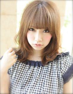 カジュアル パーマ ミディアム 髪型