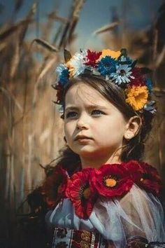 Little Ukrainian .If instead of decorating and photographing kids adults… Precious Children, Beautiful Children, Beautiful People, We Are The World, People Around The World, Ukraine, Adorable Petite Fille, Ethno Style, Ukrainian Art