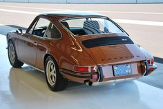 1972 PORSCHE 911T COUPE - SEPIA BROWN
