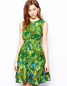 Lucy. Tropical. Sz Small.   This dress.. I loved this dress, but it's cut small and it is too tight in the ribs when I sit down. ;_;