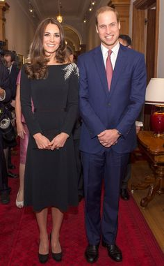 Kate and William at the unveiling of a new portrait of The Queen by New Zealand artist Nick Cuthell. 04/10/14