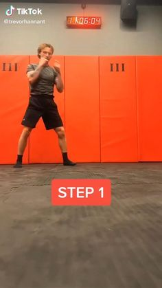 Women Boxing Workout, Boxing Training Workout, Mma Workout, Kickboxing Workout, Mixed Martial Arts Training, Martial Arts Workout, Fight Techniques, Martial Arts Techniques, Self Defense Moves