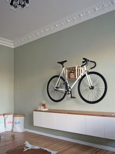 Budget Interior Ein Wg Zimmer Im Berliner Altbau 3 Budget Interior A shared room in the Berlin old building 3 Wood Home Decor, Cute Home Decor, Fall Home Decor, Farrow Ball, Outdoor Bike Storage, Bike Storage Solutions, Meme Design, Student Room, Old Building