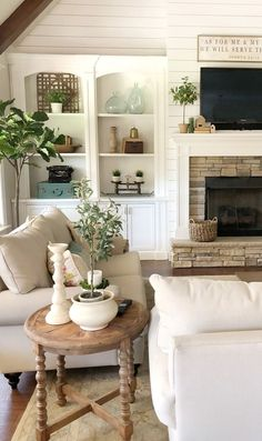 Charming living room makeovers Design for summer Ideas - My Dream House Cozy Living, My Living Room, Home And Living, Living Room Decor, Living Spaces, Living Room With Bookshelves, Rustic Living Rooms, Living Room Shelving, Living Room And Kitchen Together