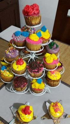 Cupcakes  decorados con duyas rusas☺