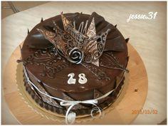 čokoladovej dort - Hľadať Googlom Ale, Birthday Cake, Chocolate Cakes, Desserts, Chocolates, Food, Author, Petit Fours, Tailgate Desserts