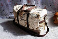aimie_couture Encore un comme on dit jamais deux sans trois... Je trouve la forme de ce sac vraiment pratique pour partir en week-end en amoureux 😍 . #sacotin #sacotinaddict #sacboston #sacbostonsacôtin #sac #voyage #cartedumonde #marron #coutureaddict #couturepassion #couture #aimiecouture