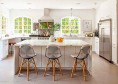 La casa perfecta con el baño abuhardillado perfecto (blanco y dorado) · The perfect home with the perfect white&gold bathroom