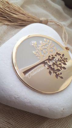 Πρωτότυπες μπομπονιέρες γάμου μεταλλικό δέντρο της ζωής πρες παπιε by valentina-christina καλέστε 2105157506 #mpomponieres #mpomponieresgamou#βάφτιση#μπομπονιερα #μπομπονιέρες #μπομπονιερες#valentinachristina #vaptism#athens#greece#handmade#vaptisi #christeningfavors#greek#greekdesigners#handmadeingreece#greekproducts #μπομπονιερες_γαμου#weddingfavors #baptismfavors #μπομπονιέρες_γάμου_βότσαλο#μπομπονιέρα_δέντρο#δεντρο_της_ζωης Wire Crafts, Marriage, Wedding Ideas, Gold, Stuff To Buy, Life, Jewelry, Manualidades, Valentines Day Weddings