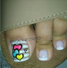 CORAZONES❤ French Pedicure, Summer Toe Nails, Crazy Nails, Feet Nails, Toe Nail Designs, Toe Nail Art, Stylish Nails, Manicure And Pedicure, Pretty Nails
