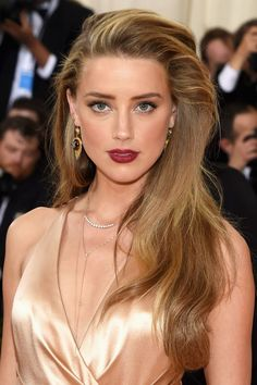 Amber Heard announces breakup with Tesla mogul Elon Musk Amber Heard Hair, Amber Heard Photos, Kate Bosworth, Beauty Magic, Hair Beauty, Party Hairstyles, Cool Hairstyles, Old Hollywood Waves, Hollywood Stars
