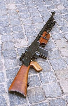 The rkm was the standard LMG used by almost all Polish infantry and cavalry units during the German-Soviet Invasion of Poland in Based upon the Belgian variant of the Colt Browning Automatic Rifle (BAR) designed by American John Mo Weapons Guns, Guns And Ammo, Light Machine Gun, Machine Guns, Rifles, Battle Rifle, Weapon Concept Art, Assault Rifle, Cool Guns