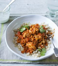 A hot and healthy chicken curry with lentils and tomatoes.