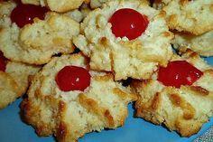 Τα έφτιαξα επιτέλους κι εγώ τα ινδοκάρυδα με ζαχαρούχο!  Πανεύκολα με μόλις 3 υλικά άντε 4 με το κερασάκι!!!   ΥΛΙΚΑ  1 ζαχαρούχο γά... Greek Sweets, Greek Desserts, Greek Recipes, Desert Recipes, Cookbook Recipes, Cooking Recipes, Cake Roll Recipes, Semolina Cake, Sweet Corner