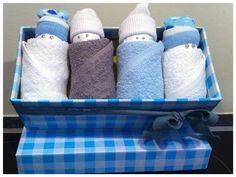Vier Luierpopjes in doosje, Kraamcadeau jongen / zwangerschapscadeau voor moeder en baby. Info: http://joleenskraamcadeaus.wix.com/kraamcadeau#!product/prd1/1656330705/luierpopjes-in-doosje