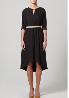 http://www.zalando.de/kaviar-gauche-for-zalando-collection-draped-dress-2-blusenkleid-black-zc221c002-802.html