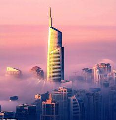 Dubai debaixo das nuvens - fotos do 85 andar