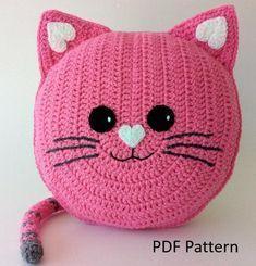Unique Crochet, Cute Crochet, Crochet For Kids, Crochet Crafts, Crochet Dolls, Crochet Projects, Doilies Crochet, Crochet Pillow Patterns Free, Crochet Cat Pattern