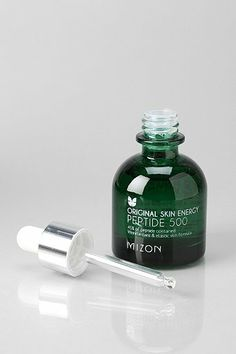 Mizon Original Skin Energy Peptide 500 contains 45% enriched peptide, elastin and collagen for some serious rejuvenation. The lightweight fo...