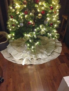 Ruffle and Bows Tree skirt.  Handmade, completely sewn and finished edges.  No fraying. Shabby Chic Christmas.