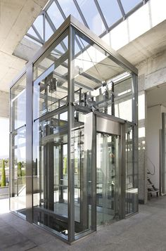 Glass Lift, Elevator Design, Glass Elevator, Lift Design, Glass Boxes, Interior Exterior, Habitats, Ideal Home, Architectural Section
