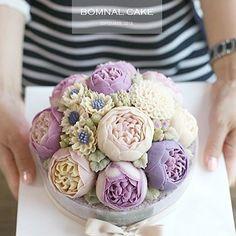 """꽃피는봄날 케이크, Bomnal cake on Instagram: """"꽃피는봄날 케이크, BOMNAL CAKE #Riceflowercake#Bomnalcake#꽃피는봄날…""""Nice!"""