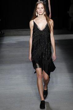 Narciso Rodriguez Fall 2016 Ready-to-Wear Fashion Show - Ine Neefs