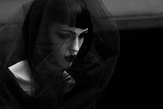 Photographer: Varvara Fotografie Hair/Makeup/Model: Constance Se