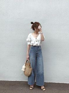"""""""着回し上手""""って言われたい!「ユニクロ&GU」厳選高見えアイテム特集 - LOCARI(ロカリ) Casual Summer Outfits, Trendy Outfits, Cute Outfits, Fashion Outfits, Petite Fashion, Trendy Fashion, Fashion Trends, Japanese Fashion, Korean Fashion"""