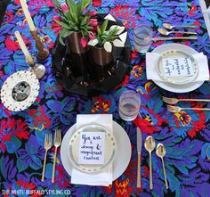 Simple Valentine's Table Setting from thewhitebuffalostylingco.com