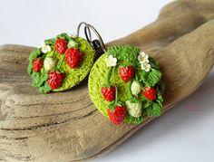 Polymer clay Strawberries earrings handmade by vivi4n