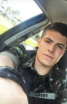 Hot Army Men, Sexy Military Men, Army Guys, Gorgeous Black Men, Beautiful Men, Hot Cops, Boy Celebrities, Joe Manganiello, Men In Uniform
