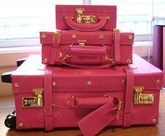 pink Parisian luggage....ooh la la!