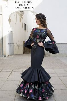Todo Ideas en Pelo de moda flamenca Lovely Dresses, Elegant Dresses, Dress Skirt, Dress Up, Mexican Dresses, Evening Dresses, Prom Dresses, African Fashion, Dress To Impress
