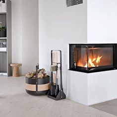 A friendly reminder that @eldvarm is offering my readers a 10% discount on all of their products. The offer expires on Sunday the 20th, so head over to www.eldvarm.com now and have a look - use discount code: Stylizimo when you checkout #eldvarm #fireplaceaccessories #firetools #scandinaviandesign #stylizimohouse // Ad