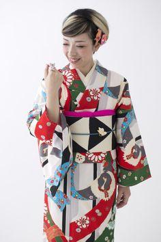 kimono Japanese Outfits, Japanese Fashion, Asian Fashion, Japanese Clothing, Kimono Japan, Japanese Kimono, Japanese Girl, Traditional Kimono, Traditional Dresses