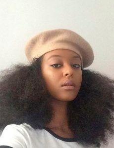 Cabelo cacheado e cabelo crespo com chapéu: pode sim! – Blog Juba de Leoa por Vivi Najjar