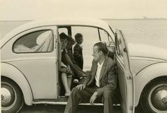 Historic pictures about the Volkswagen company and their aircooled