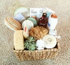 Spa bridal shower ideas mothers 34 ideas for 2019 Bridal Gift Baskets, Bridal Shower Baskets, Fall Gift Baskets, Bridal Shower Gifts, Bridal Gifts, Pregnancy Gift Baskets, Baby Bath Gift, Bath Gift Basket, Spa Basket